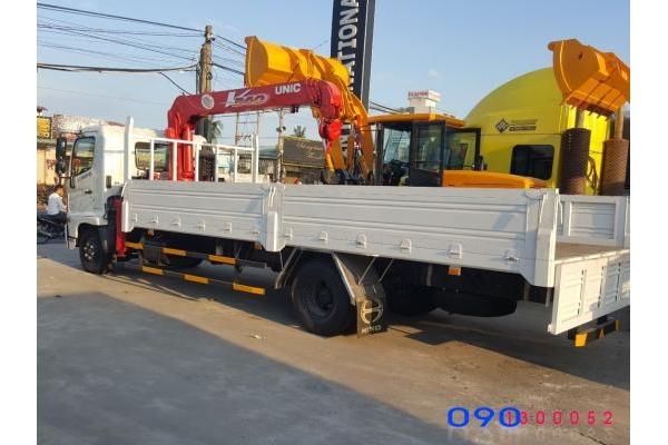 Xe Hino FC9JLSW 6.4 tấn gắn cẩu Unic URV340 3 tấn