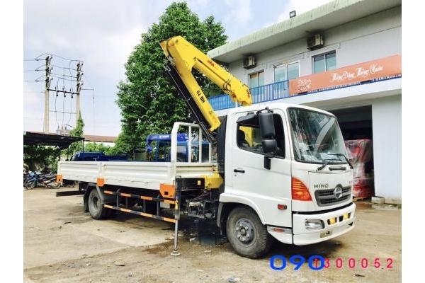 Xe tải Hino 6.4 tấn FC9JLSW gắn cẩu Ba Lan HYVA HB70 3 tấn