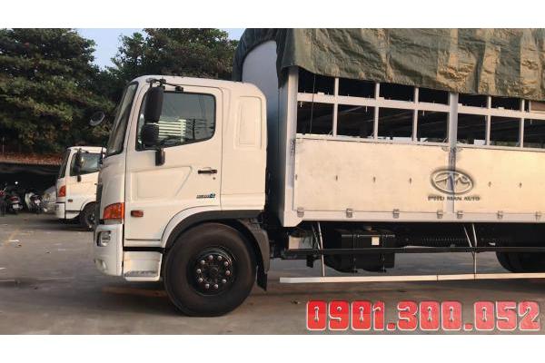 Xe tải 2 tầng bửng nâng chở xe máy 8 tấn Hino FG8JT7A