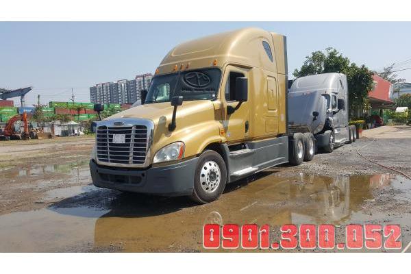 Đầu kéo Mỹ 1 giường Freightliner Cascadia máy Detroit
