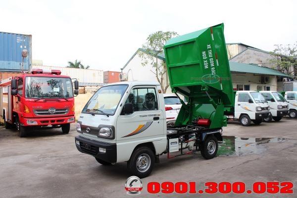 Xe chở rác mini Thaco Towner 800 vào ngõ hẽm